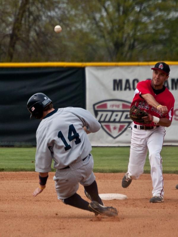 BASEBALL: Valpo hits walk-off RBI single to beat Ball State 3-2
