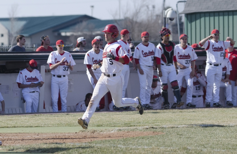 BASEBALL: Team's balanced attack allows sweep of Bowling Green