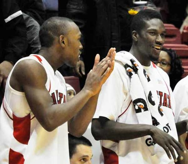 MEN'S BASKETBALL: Ball State earns 2-game lead over Central Michigan with 69-63 win