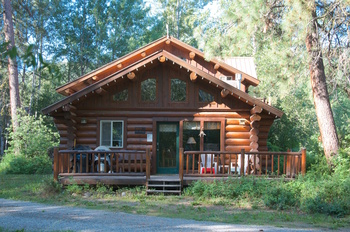 Lodging in the methow valley winthrop mazama and twisp for Winthrop cabin rentals