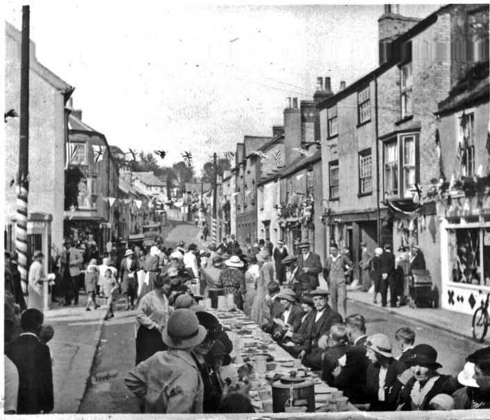 Street Party end of World War One, Chudleigh, Devon