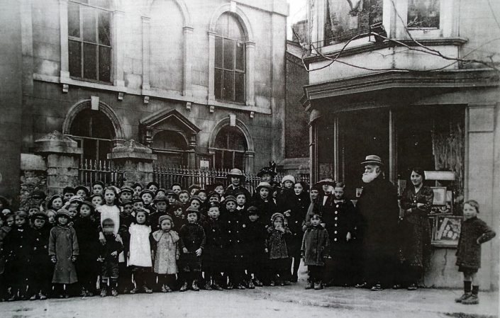 1918 - Congregation, Woodway Street