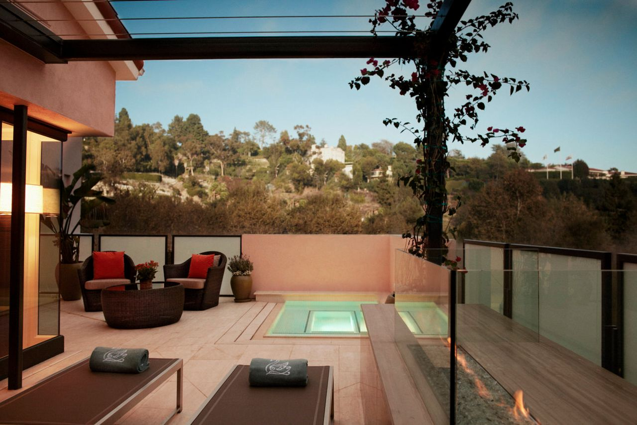 5 most extreme luxury hotels in los angeles for Most luxurious hotel in los angeles