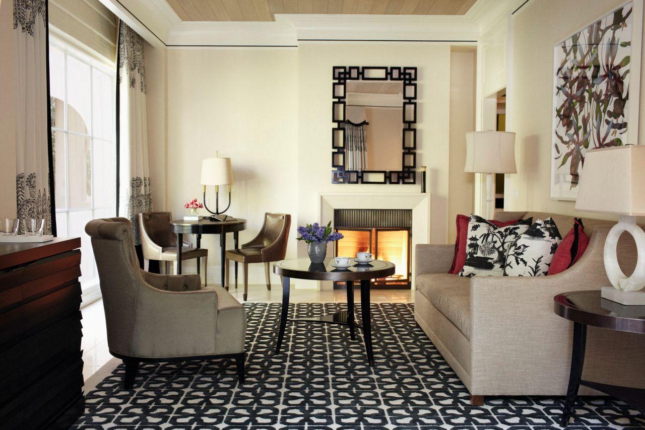 5 most extreme luxury hotels in los angeles for Arredare con mobili antichi