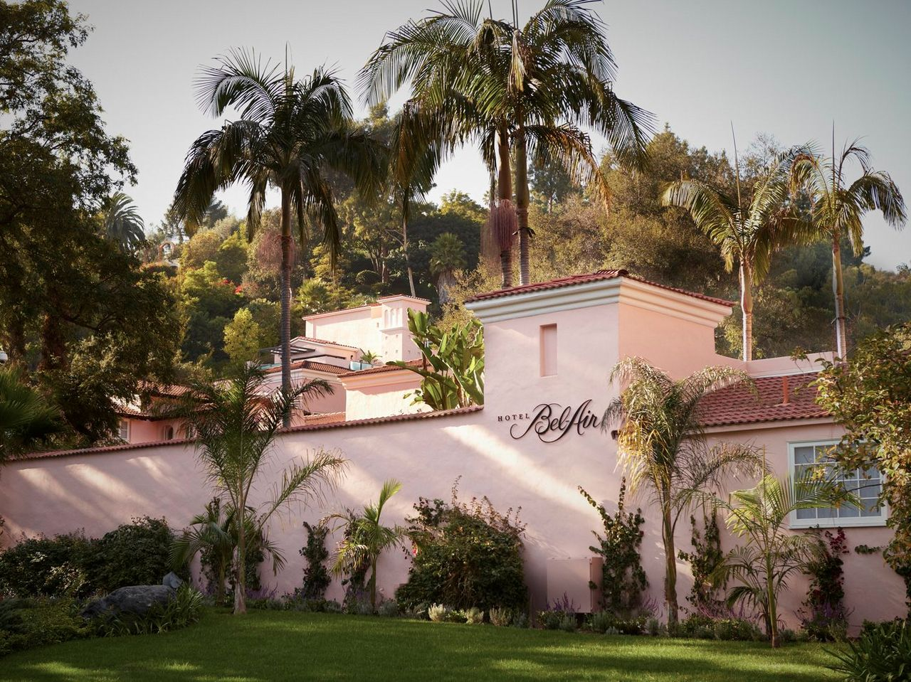 5 Most Extreme Luxury Hotels In Los Angeles