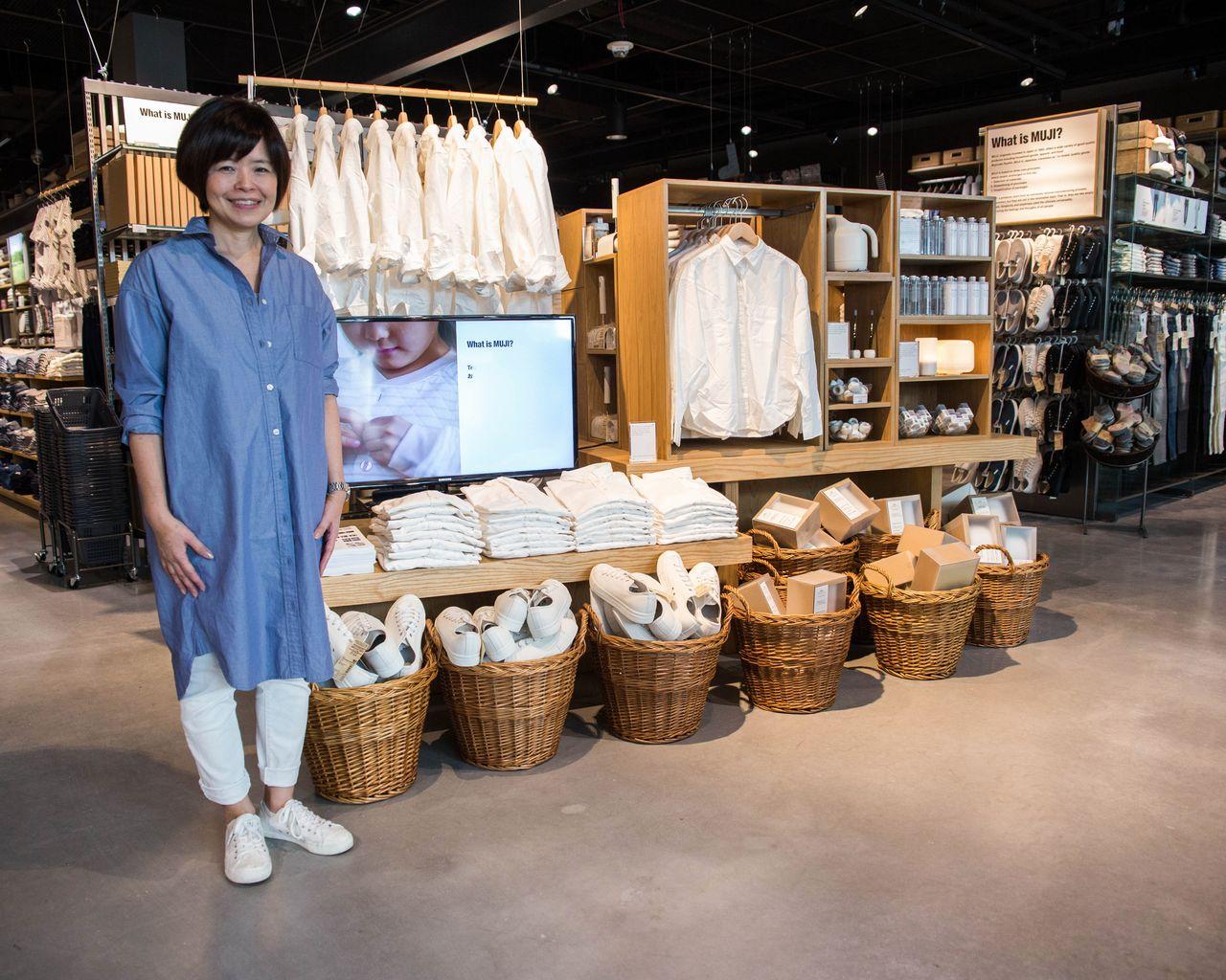 Placelist Where Asako Shimazaki Finds Japan In La