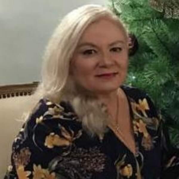Helen De Rose