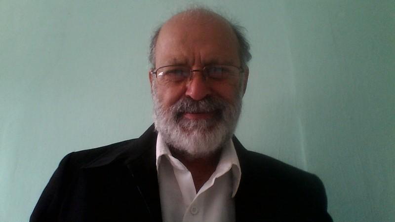 Alder D'Pass, Dr. Felicidade