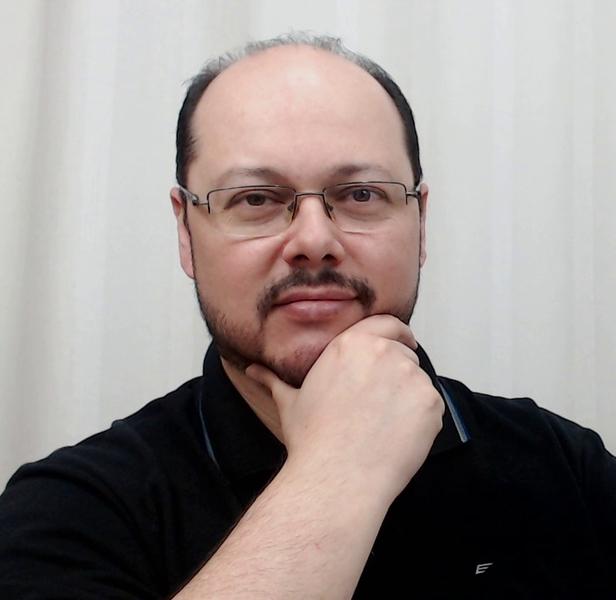 Ederson M. Menezes