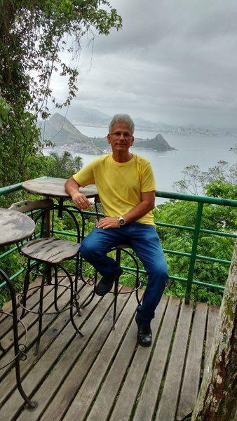 Hélio R,Moraes