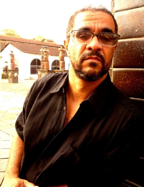 André L. Soares
