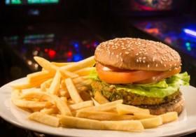 Hambúrguer Vegetariano: Pague 1 e leve 2 por R$29,80!