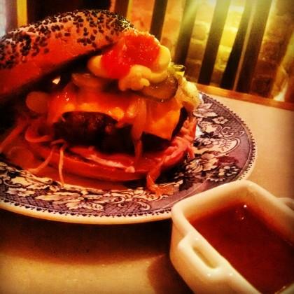 Hambúrguer Peculliaris com 30% de desconto