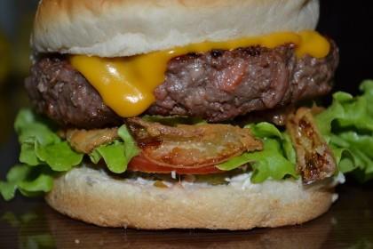 Onions Burger: Pague 1 e leve 2 por R$20