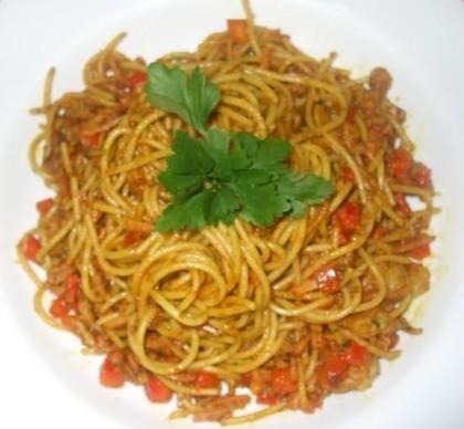 Espaguete à Malaia (Espaguete Chop Suey ao Curry) + Sobremesa!