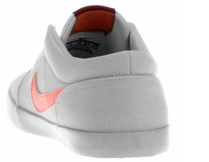 Produtos Nike com até 65% de desconto!