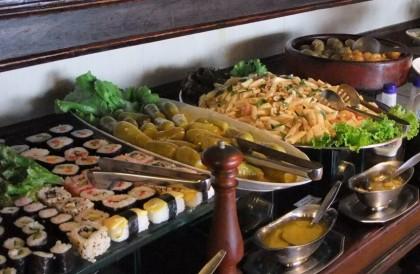 Delicioso Buffet Liberado no Almoço por R$ 27,90