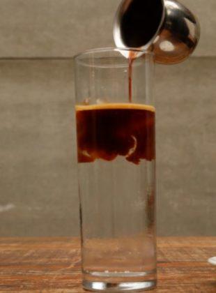 Espresso Tônica: Espresso com Água Tônica e Gelo com 50% de desconto