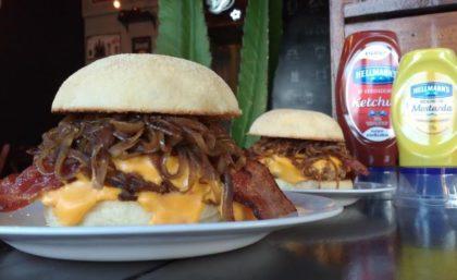 Beavis Burger 2×1: Pague 1 e leve 2 por R$26
