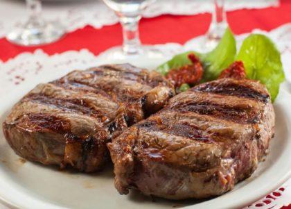 Carnes + Saladas + Sobremesas para 2 pessoas
