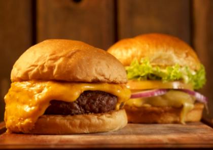 Compre 01 lendário Oráculo Burger por R$31,11 e GANHE 01 Costa Oeste