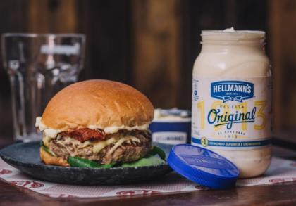 Receba os ingredientes e o passo a passo para você mesmo preparar Burgers de Chef
