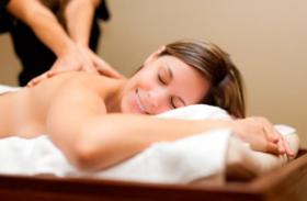 Massagem Relaxante ou Drenagem Linfática com Esfoliação e Hidratação Corporal