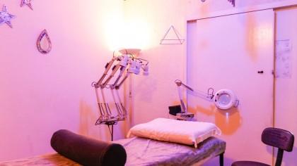 Pacote: Mix de Massagens - Massagem com óleos de essências + aromáticas + massagem terapêutica + Shiatsu + DO-IN + Massagem com bambu + massagem com pedras quentes