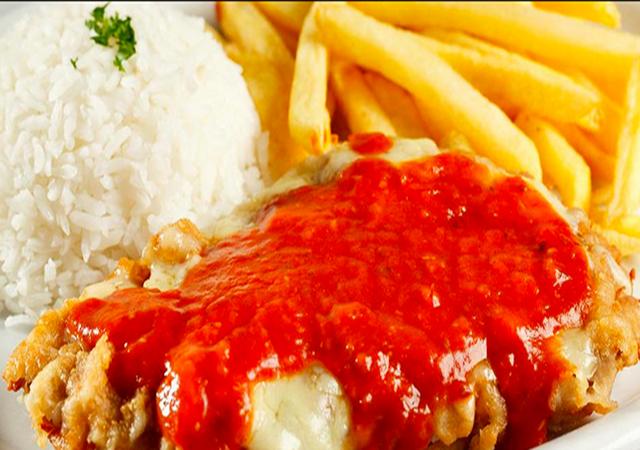 Jantar para 2 pessoas: Filé à Parmegiana com Arroz e Batatas Fritas!