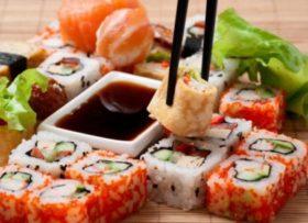 Para 2 pessoas: Rodízio Japonês tradicional + Suco Natural + Sobremesa GRÁTIS