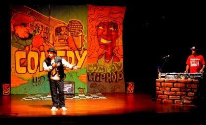 """Show de Humor """"Uma Viagem Aos Anos 80"""""""