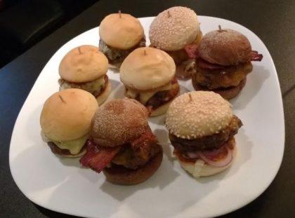 Porção Grande de Mini Hambúrguer ♥
