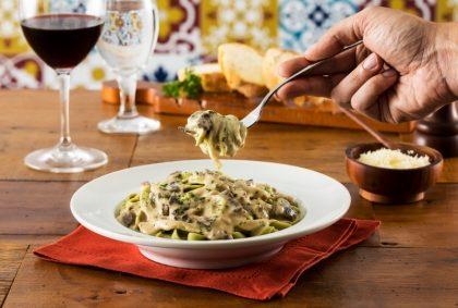 Segunda: Peça o Menu R$ 49,00 (Entrada + Fettuccine Verde al Funghi + Sobremesa) e ganhe 1 Café Cannoli