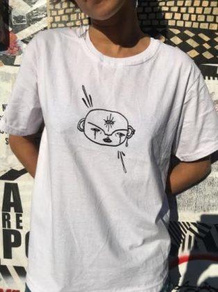 Camisetas autorais Antonia Muricy com 50% de desconto ♥