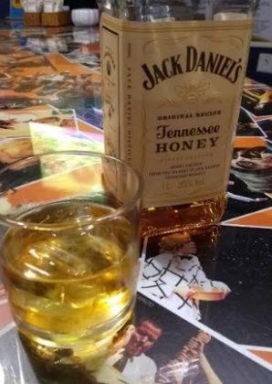 [18+ anos] BAR: Dose Jack Honey