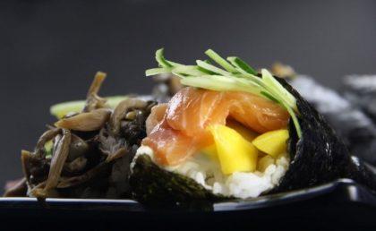 3 Temakis + Missoshiru + Porção Rolinho de Queijo OU Bolinho de Peixe + 1 Bebida