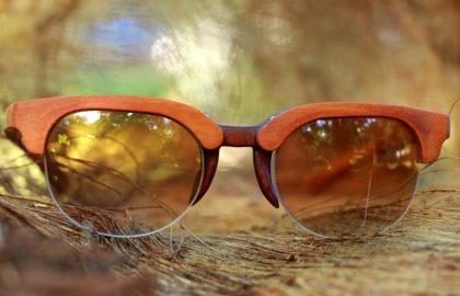 (25 a 27/8) Hayô: Óculos Modelo 01 feito de peroba-rosa com 20% de desconto!