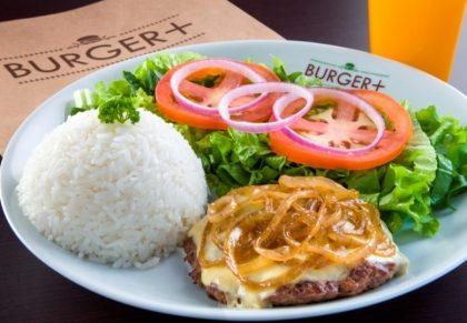 Burger 180g com Queijo Estepe e Cebola Grelhada + 2 Acompanhamentos (Top Center)