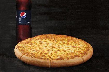 RETIRADA NO BALCÃO: Compre Pizza Mussarela Grande e ganhe Refri 2 litros!