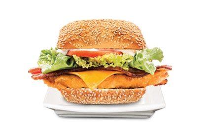Sanduíche EM DOBRO! Na compra de 1 sanduíche Chicken Club, ganhe outro!