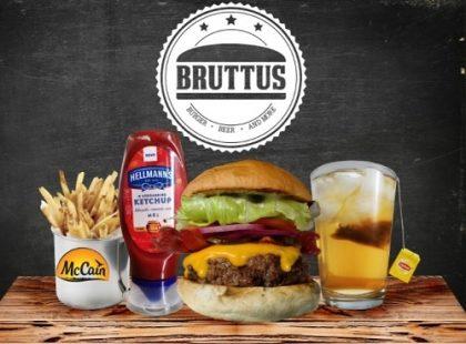 Combo R$ 25: Burger Bruttus + Drink de Chá Lipton + Batata McCain