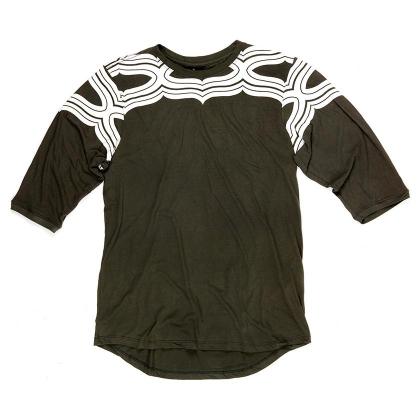 Camiseta 3/4 AINU II MILITAR com 22% de desconto
