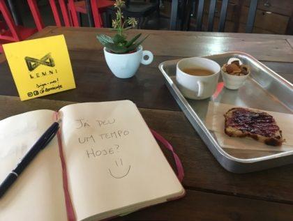 1 hora no café-coworking pelo preço de 30 minutos