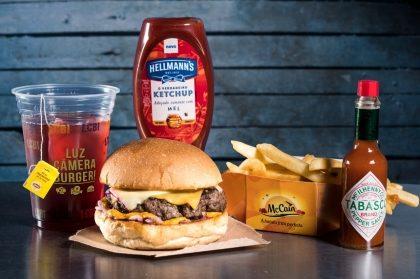 Combo R$ 25: Qualquer Lanche + Drink de Chá Lipton + Batata McCain