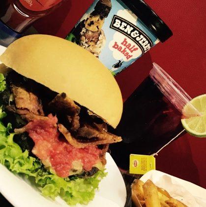 Combo R$ 25: Burger Tradicional NB + Drink de Chá Lipton + Batata McCain
