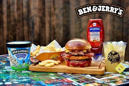 Combo R$ 35: Burger do Mês + Drink de Chá Lipton (Opção Whisky Jameson 18+) + Batata McCain + Sorvete Ben & Jerry's 458ml