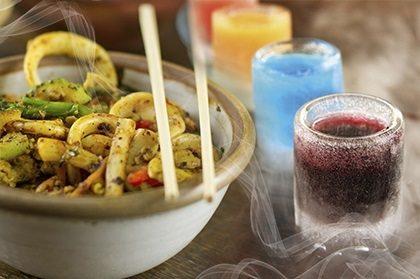 Pinheiros: Rodízio Mongolian Grill com 30% OFF + Drink Shotter Perfect Love GRÁTIS!