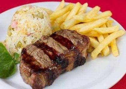 Entrada + Prato Principal + Acompanhamentos + Sobremesa por R$ 42,90