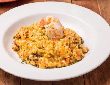 Sábado: Salada + Risoto de Frutos do Mar + Sobremesa por R$ 59,90