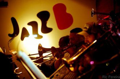 O primeiro chopp em dobro no JazzBB! [18+ anos]
